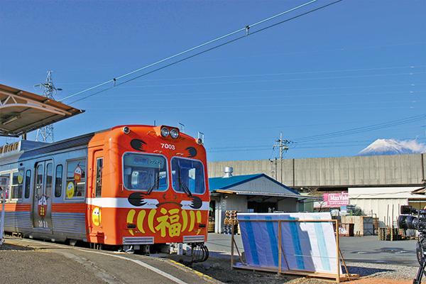 岳南だるま電車