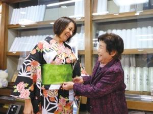 富士宮版エコツアー『まちなかツアー』の体験・見学会での一コマ。 宮